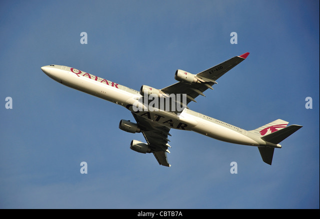 Qatar Airbus A340-642 taking off from Heathrow Airport, Greater London, Hounslow, England, United Kingdom - Stock Image