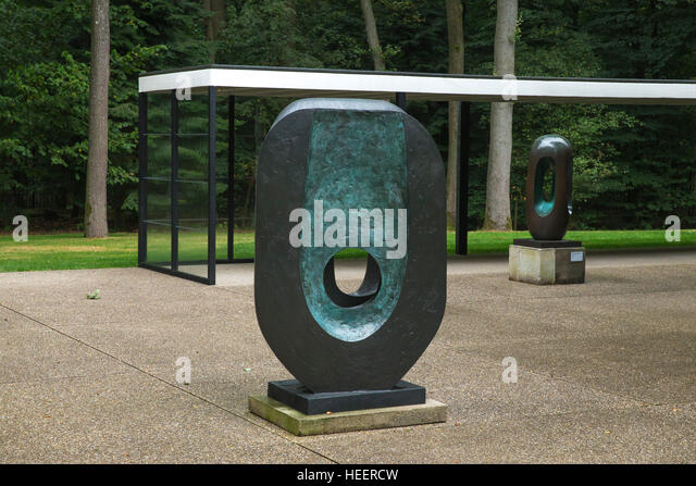 Dual form, and Elegy III,  by Barbara Hepworth, 1965 and 1966, Kroller-Muller Museum, Hoge Veluwe National Park, - Stock Image