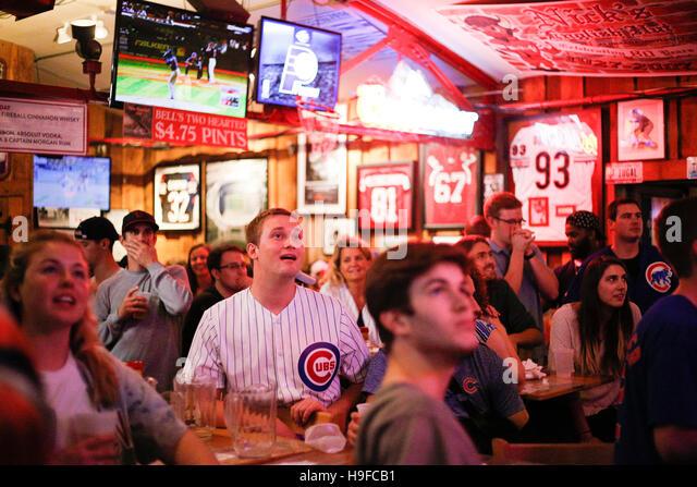 November 2, 2016 - Bloomington, Indiana, USA: Chicago Cubs fans celebrate at Nick's English Hut after the baseball - Stock Image