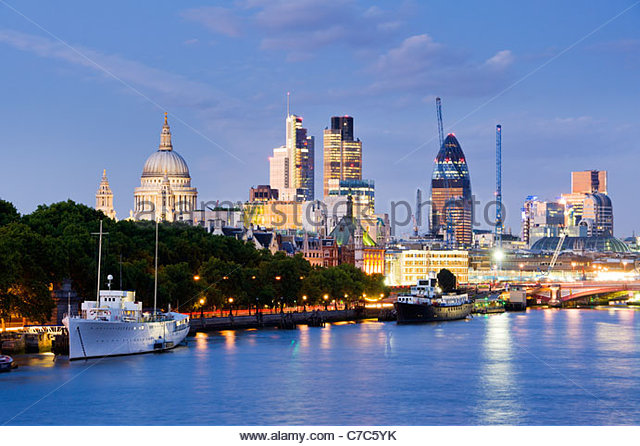 The City skyline from the river Thames, London. - Stock-Bilder