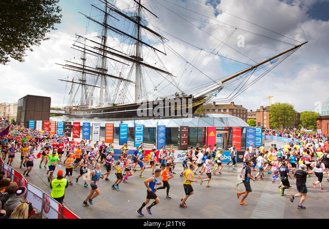 London, UK. 23rd April, 2017. Participants take part in the Virgin London Marathon 2017. Pictured passing Cutty - Stock Image