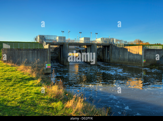 Leigh flood barrier protecting Tonbridge. - Stock Image
