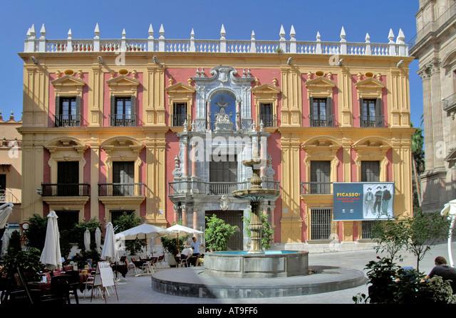 Spanien Malaga Plaza del Obispo Palacio Episcopal Fountain Picasso Museum archbishop s palace - Stock Image