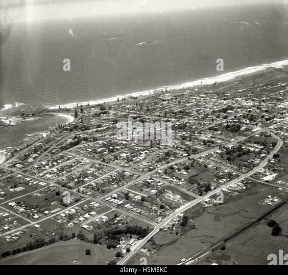 Wollongong looking south-east 26 November 1937 RAHS [RAHSAdastra Aerial Survey - Stock Image