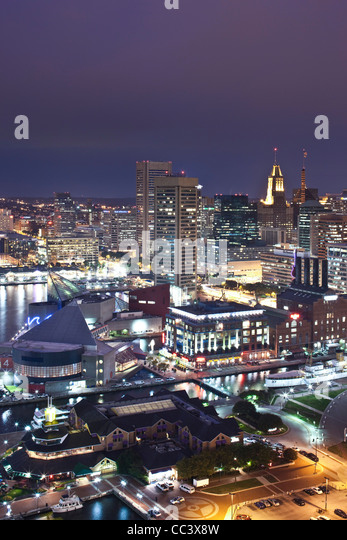 USA, Maryland, Baltimore, Inner Harbor and Harbor East, high angle view from Marriott Baltimore Hotel, evening - Stock-Bilder