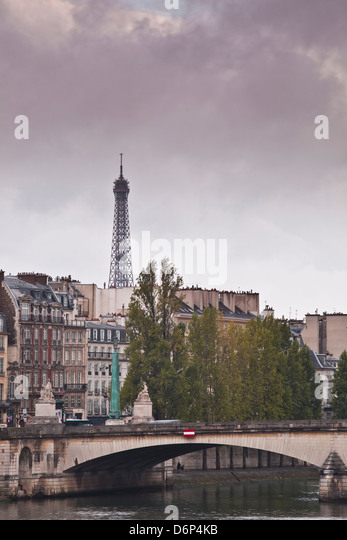 The Left Bank and the Eiffel Tower on a rainy day, Paris, France, Europe - Stock Image