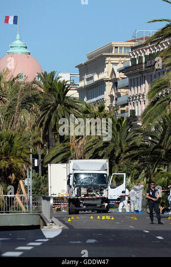 Nice, France. 15th July, 2016. RECROP - Police secure the area in Nice, France, July 15, 2016 where a truck drove - Stock Image