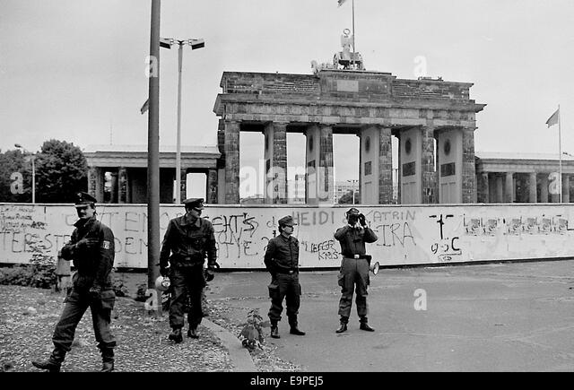 tearing down the berlin wall and freedom in remarks at the brandenburg gate by ronald raegan Reagan didn't actually tear down the wall - although he famously challenged the soviets to tear it down in a speech at the brandenburg gate (between west german controlled we st berlin and soviet controlled east berlin) he said: we welcome change and openness for we believe that freedom and security go together, that the advance of.