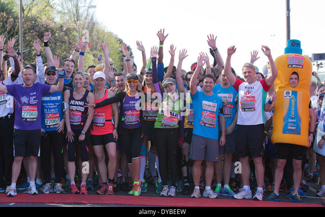 London, UK, 13th Apr, 2014. Celebrities pose at a photocall at the Green Start before the VIrgin London Marathon - Stock Image