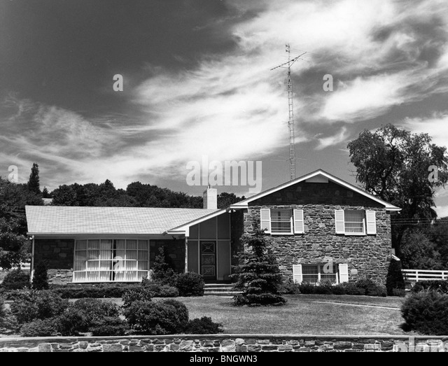 Facade of bungalow house, 1950s - Stock Image