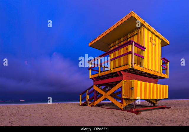 South Beach, Miami, Florida, USA lifeguard post at twilight. - Stock-Bilder