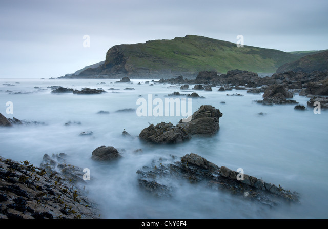 Rocky shores of Duckpool in North Cornwall, England - Stock Image