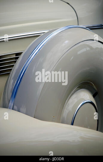 classic buick spare wheel wing and bonnet - Stock Image
