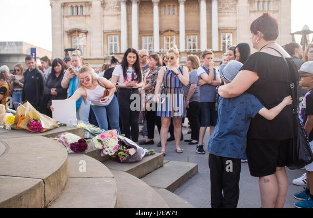 Kingston Upon Hull, 24th May 2017, a vigil is held for the victims of the Manchester terror attack which took place - Stock Image