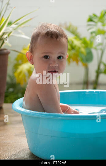 bathing baby stock photos bathing baby stock images alamy. Black Bedroom Furniture Sets. Home Design Ideas