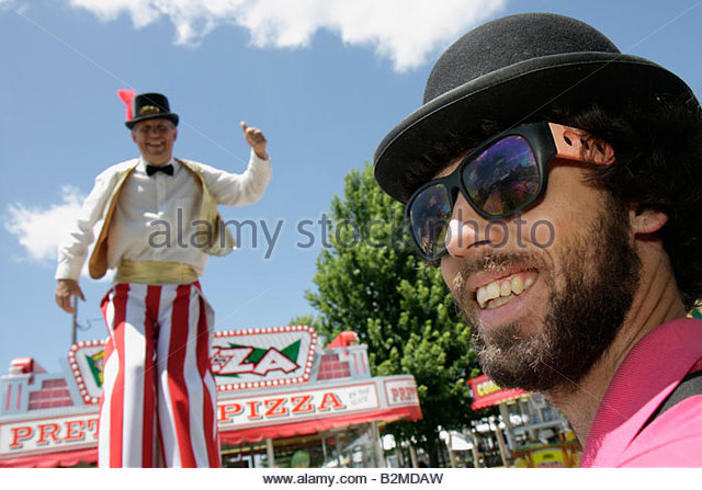 Wisconsin Kenosha Kenosha County Fairgrounds The Ultimate Kid Fest family event tall man men stilt walker carnival - Stock Image