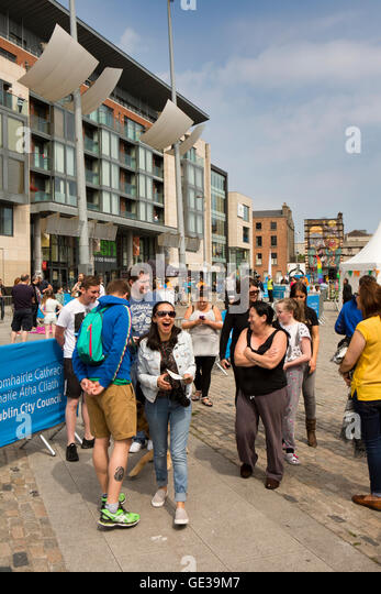 Ireland, Dublin, Smithfield Square, local people attending pets in the city show - Stock Image