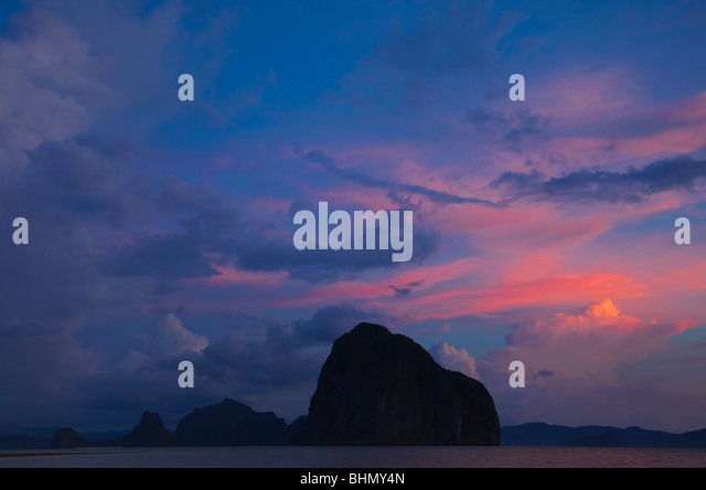 Sunset over Islands in Bacuit Bay; Palawan; Philippines. - Stock Image