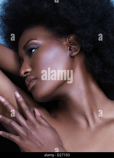 Artistic beauty portrait of a young black african american woman face - Stock-Bilder