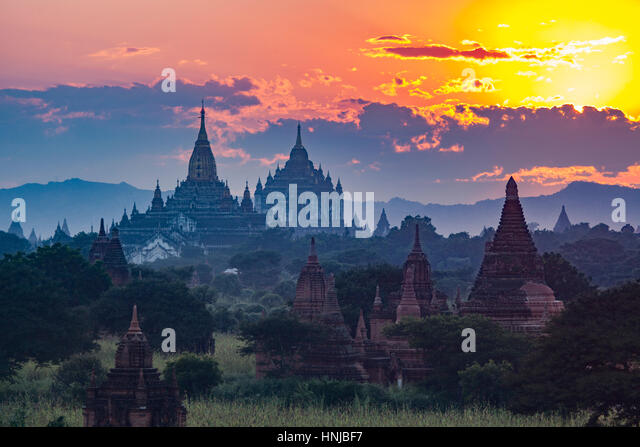 Temples at sunset. Bagan Archeological Zone, Mynmar Site of 5,000 buddhist temples built between 11th and 13th centuries, - Stock-Bilder