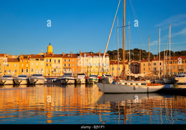 VILLAGE OF SAINT-TROPEZ, FRENCH RIVIERA - Stock-Bilder