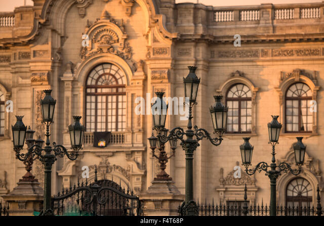 South America, Latin America, Peru, Lima, Plaza Mayor or Plaza de Armas of Lima, Government Palace of Peru - Stock Image