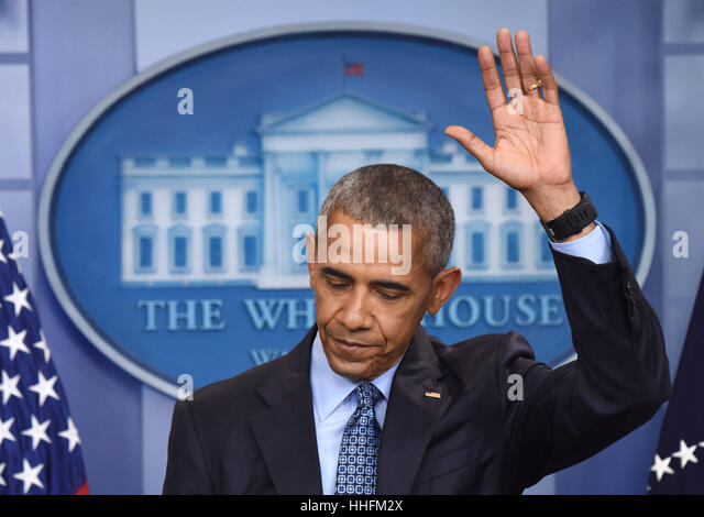 Washington, DC, USA. 18th Jan, 2017. Barack Obama gestures during his final press conference as U.S. President at - Stock-Bilder