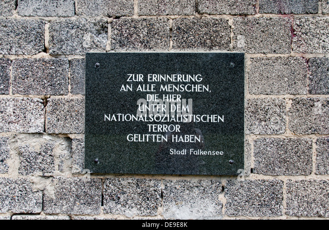 how to get to sachsenhausen camp from berlin