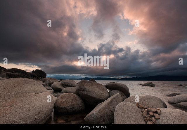 Storm clouds hover over Lake Tahoe near Incline Village, Nevada, USA. - Stock-Bilder