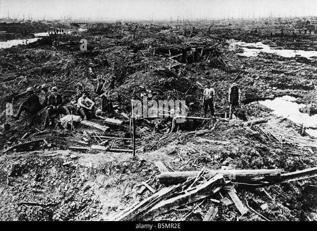 9 1917 8 0 A1 E Battle field at Paschendaele 1917 World War One 1914 18 Western Front Battle of Flanders 31 July - Stock-Bilder