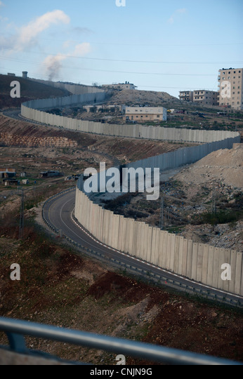 Middle East Israel  near Jerusalem separation wall fence to keep Palestinians apart  - settlements - Stock Image