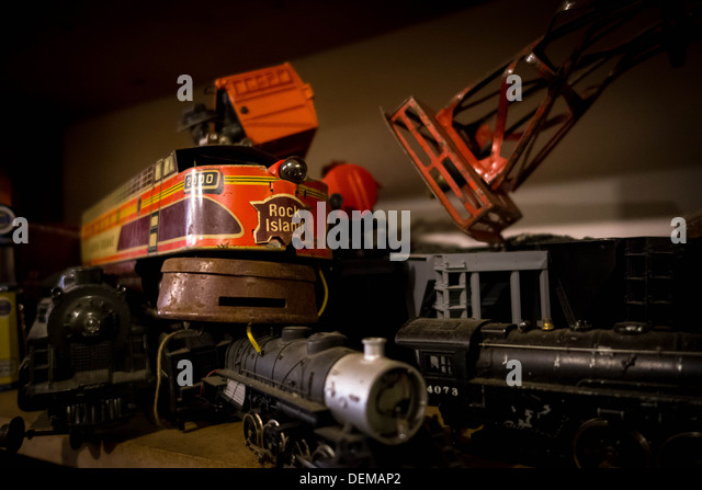 Toy scale trains in a Pittsburgh antique shop - Stock Image