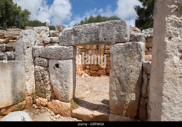 Talyoitic settlement in Menorca, Torre d'en Galmés - Stock Image