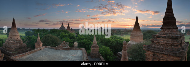 the Temples of Bagan at dawn, Myanmar (Burma) - Stock-Bilder