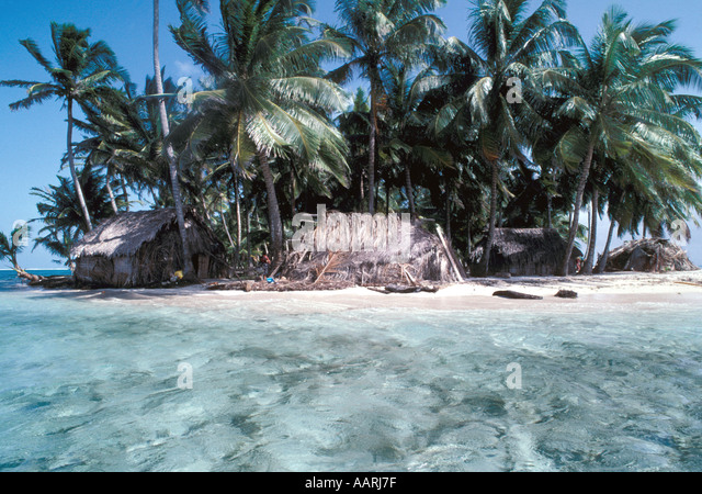 Panama San Blas Islands Cuna Indians Dwellings Homes Huts - Stock Image