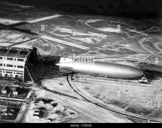 Areal photograph of the airship 'Hindenburg', 1936 - Stock Image