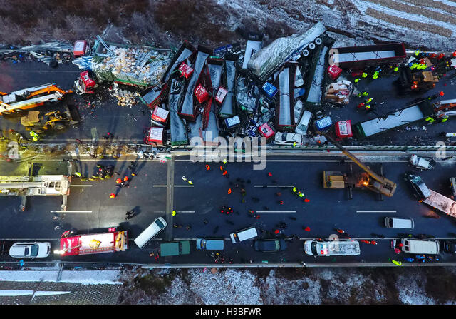 Yuxian. 21st Nov, 2016. Photo taken on Nov. 21, 2016 shows the collision accident site in Yuxian County, north China's - Stock Image