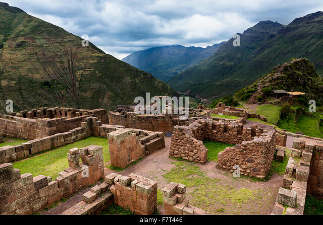 View of Inca Ruins near the town of Pisac in the Sacred Valley, Peru - Stock-Bilder