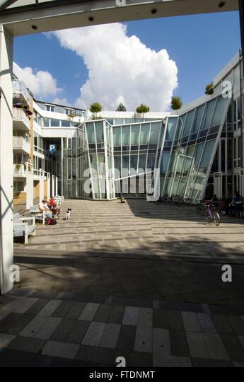 Deutschland, NRW, Neuss, moderne Architektur am Neumarkt - Stock-Bilder