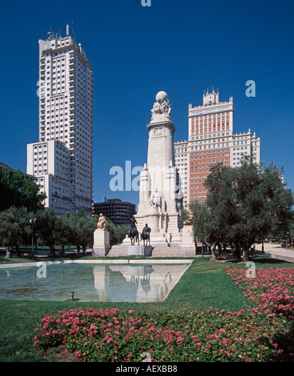 Europe Spain Madrid Plaza de Espana Don Quichotte and Sancha Pansa cervantes monument - Stock Image