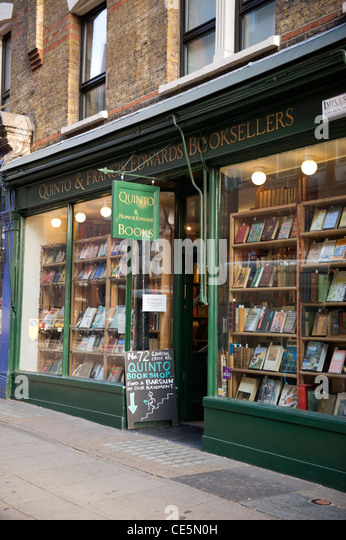 72 Charing Cross Road , London , Quinto & Francis Edwards Antiquarian Booksellers landmark bookshop , not 84 - Stock-Bilder