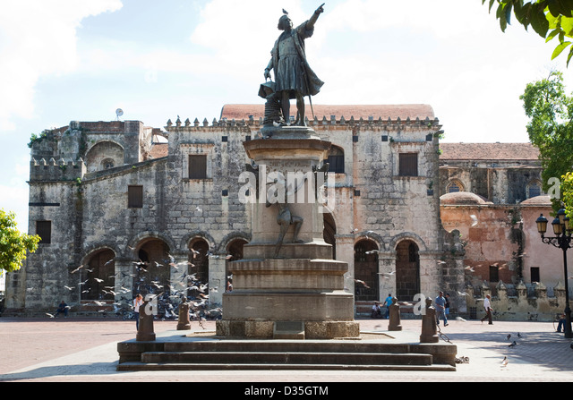 america, caribbean sea, hispaniola island, dominican republic, santo domingo town, park colon, monument to christopher - Stock Image