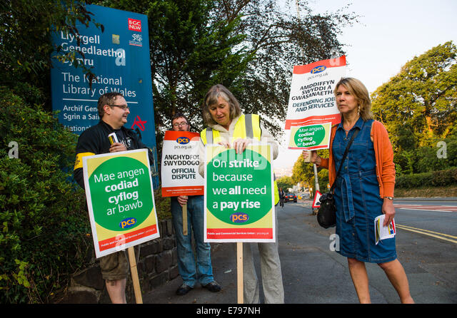 Aberystwyth, Wales, UK. 10th September, 2014.  Members of the PCS (Public and Commercial Services union ) and Prospect, - Stock Image