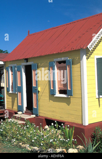 ANGUILLA Caribbean Traditional Cottage Brightly Painted - Stock Image