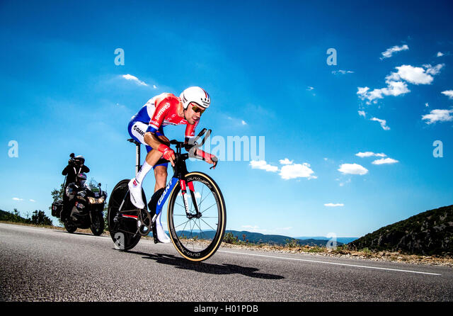 Tour de France 2016 Stage 13 Tom Dumoulin (NED) Bourg-Saint-Andeol to La Carerne du Pont-D'Arc 37.5km Time Trial - Stock Image