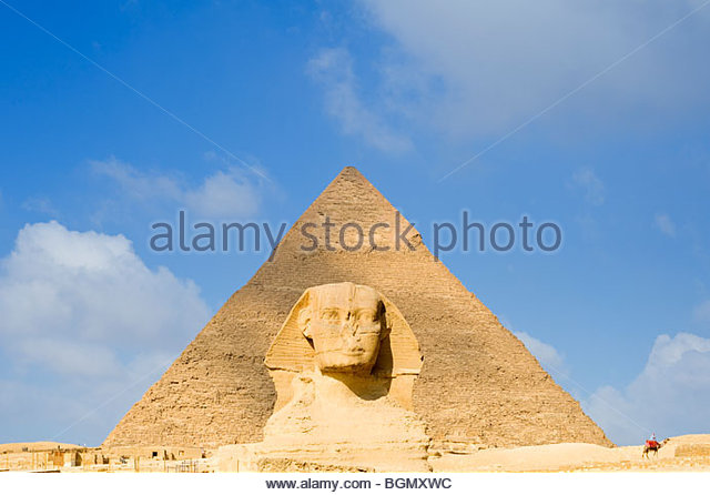 The Sphinx and the Pyramid of Khafre, Giza, Cairo, Egypt. - Stock Image