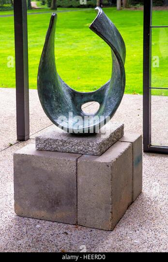 Curved Form, Trevalgan,  by Barbara Hepworth, 1956, Kroller-Muller Museum, Hoge Veluwe National Park, Otterlo, Netherlands, - Stock Image