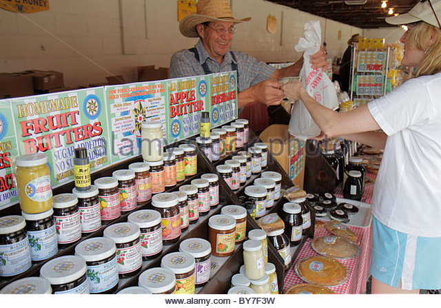 Pennsylvania Kutztown Kutztown Folk Festival Pennsylvania Dutch folklife Bauman Family Fruit Butters business vendor - Stock Image