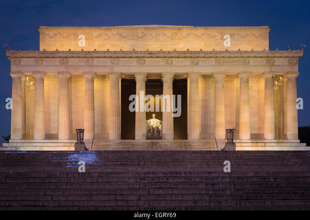 The Lincoln Memorial is an American memorial built to honor the 16th President of the United States, Abraham Lincoln. - Stock-Bilder