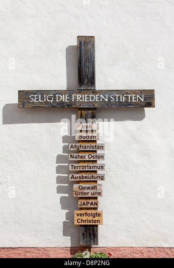 Christian wooden cross as a memorial, Weilburg Lahn, Hesse, Germany, Europe - Stock-Bilder